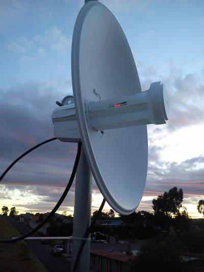 Photo of Ubiquiti NanoBeam M5 DMR